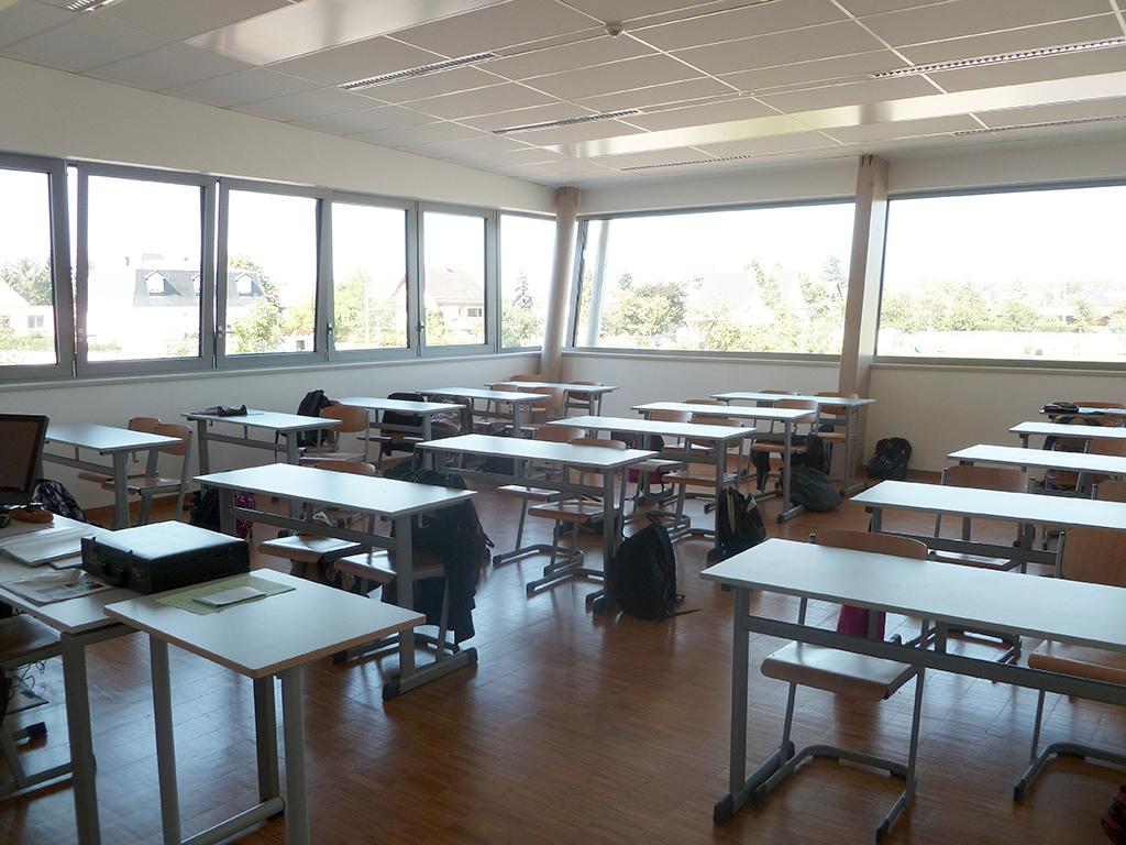 Illuminazione Esterna Normativa : Gli apparecchi di illuminazione nelle scuole luxi illuminazione