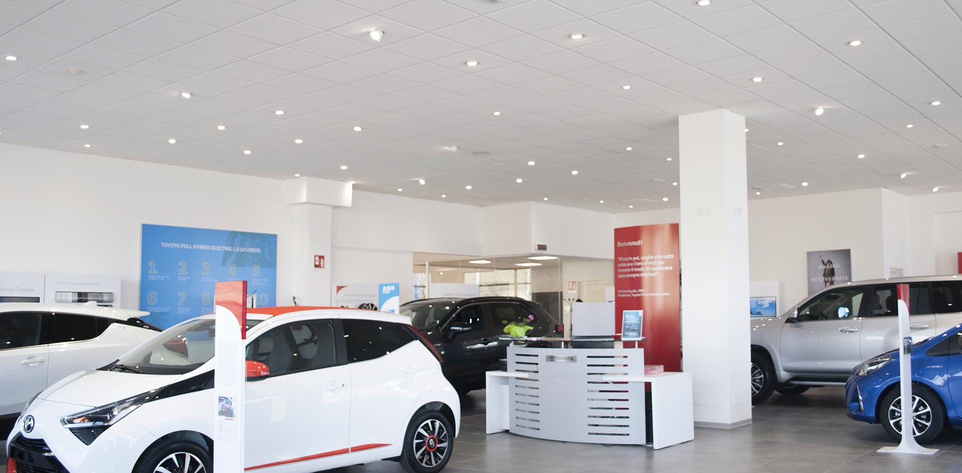 L Angolo Per L Ufficio Bra.Concessionaria Mattiauda Motors Bra Cn Luxi Illuminazione